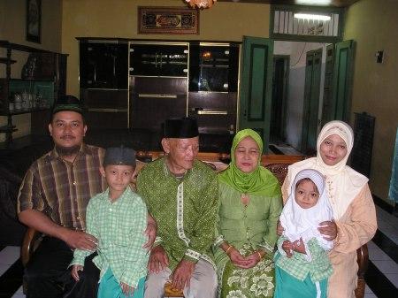 Keluarga Besarku